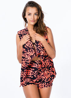 Take A Scroll Swirly Curve Back Vest