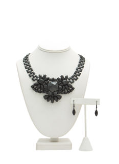 Matte Faux Jewel Necklace Set