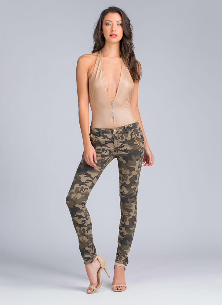 Blend In Camo Zipper Accent Pants