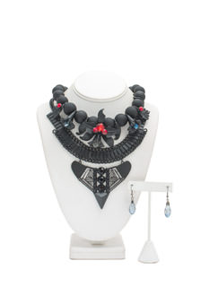 Gothic Gal Matte Floral Necklace Set