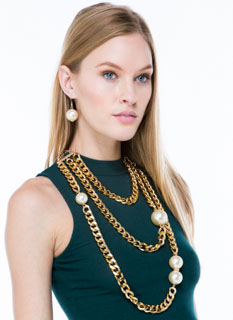 Pearl Diving Layered Chain Necklace Set