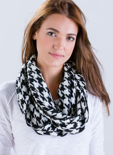 Contrast Houndstooth Infinity Scarf