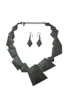 Pieces Of Me Hammered Necklace Set