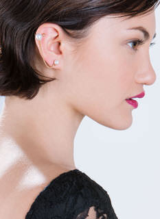 Lovely Edge Faux Pearl Ear Cuff