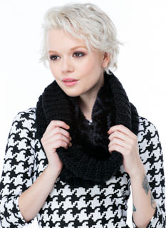 Keep U Warm Cable Knit Infinity Scarf