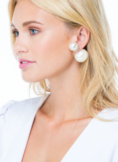 Got U Girl Pearly Backdrop Earrings