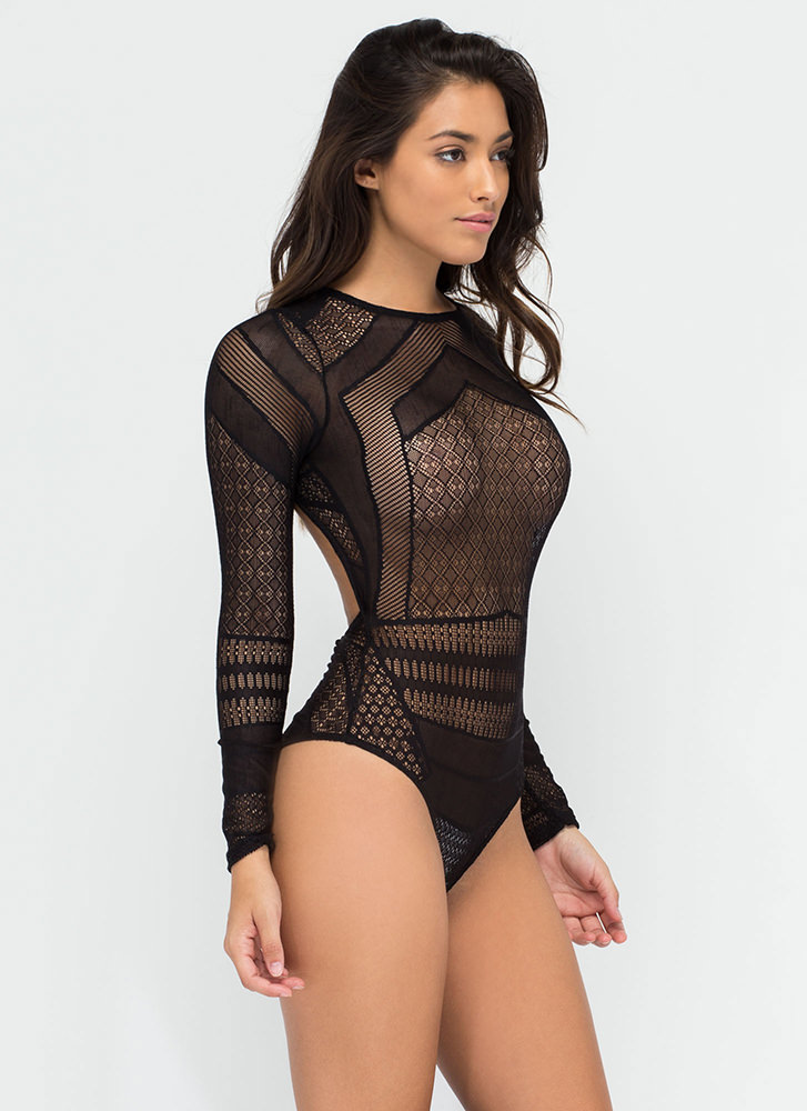 The bodysuit is the investment piece for you. As versatile as they come, bodysuits go with almost every look. Ranging from a slinky plunge to a trustworthy jersey basic, team these wardrobe staples with everything from a pair of ripped skinnies for day or a streamlined body conscious midi and killer heels for night.