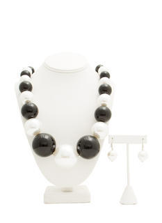 Oversized Faux Pearl Necklace Set
